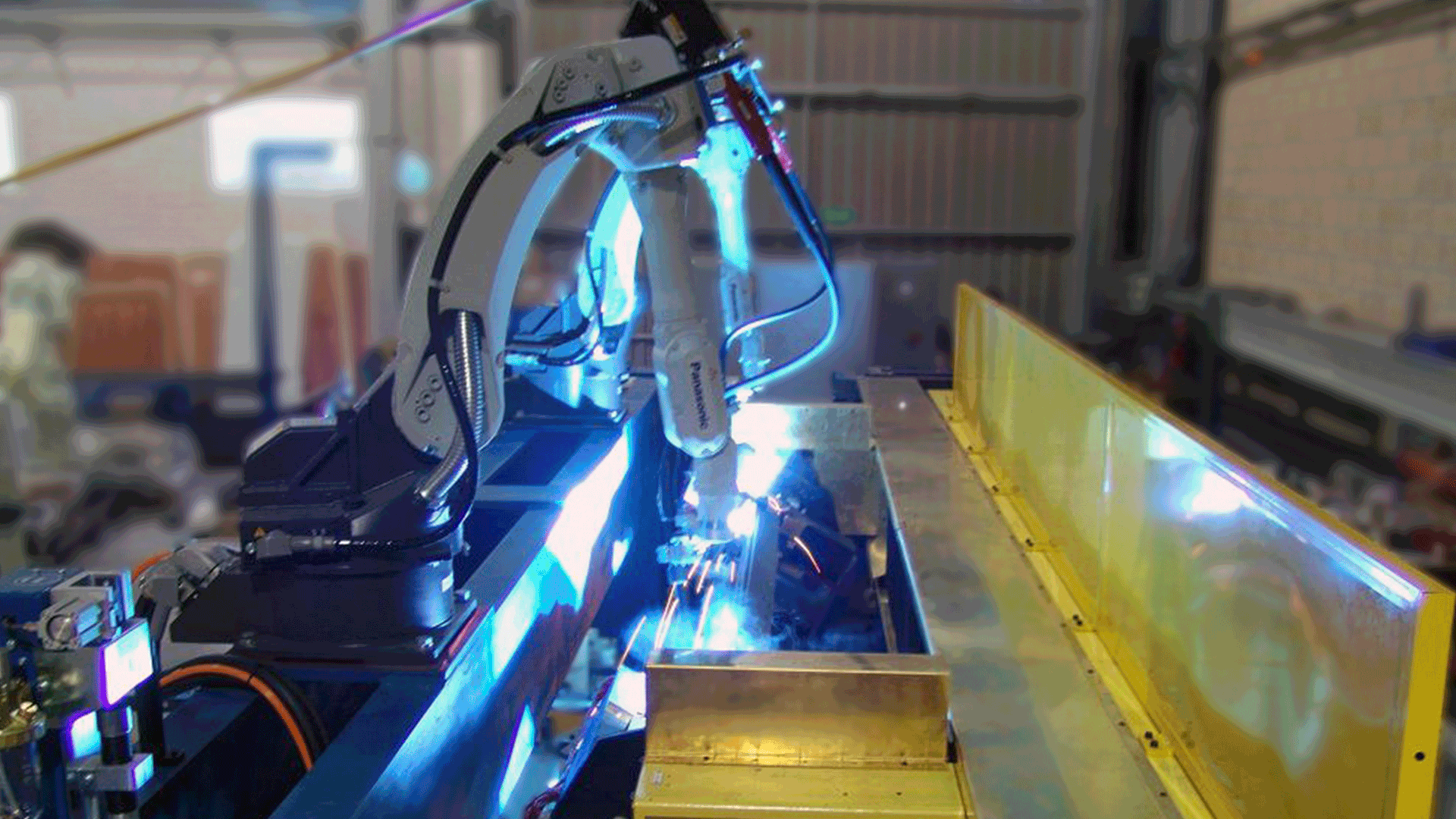 panasonic-robot-welding